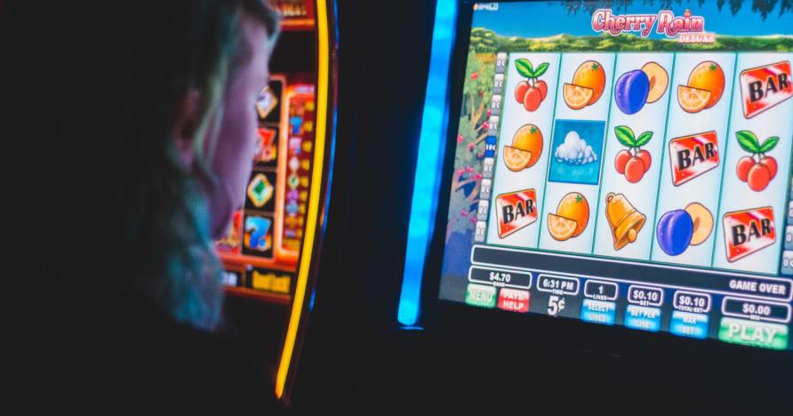 8 märki, et olete hasartmängudest sõltuvuses